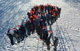 """Акція """"Єднаємось заради життя"""" до Міжнародного дня порозуміння з ВІЛ-інфікованими та хворими на СНІД"""
